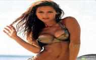 Ariadne Artiles na plaży