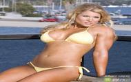 Beth Phoenix w bikini