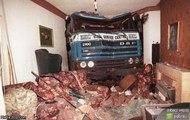 Ciężarówką w mieszkanie