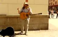 Gienek Loska śpiewa - 'Rolling on the river' - Proud Mary