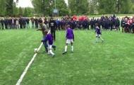 Robin van Persie vs Dzieciaki