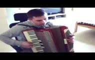 czerwone jagody,akordeon HOHNER CARENA    M ,m.szydlik