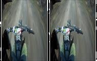 Lepiej nie puszczaj kierownicy podczas jazdy na motorze...