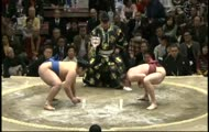 Zaskakująca akcja w walce sumo