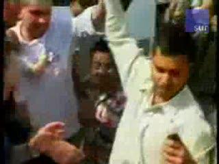 Bombaj: Wrócił do hotelu po żonę i córeczkę