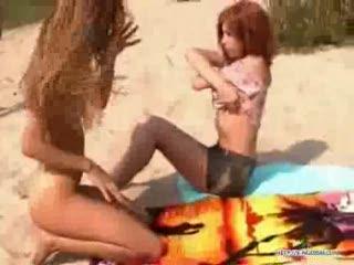 Nudystki na plazy